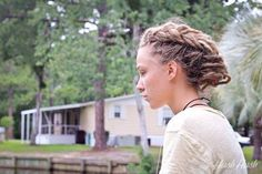 I wonder if I could get mine to do this. Dreadlock Styles, Dreads Styles, Beautiful Dreadlocks, Dreads Girl, Hippie Hair, Dreadlock Hairstyles, Dream Hair, Crazy Hair, Cool Hair Color