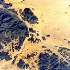 #EarthArt Across the greatest desert - #Sahara. #YearInSpace #desert #earth #art #space #iss #spacestation by stationcdrkelly