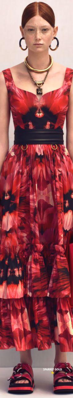 Alexander McQueen Resort 2020 | Sparkly Gold :: Alexandre Mcqueen, Alexander Mcqueen Couture, Mc Queen, Dresses, Fashion, Vestidos, Moda, Fashion Styles, Dress