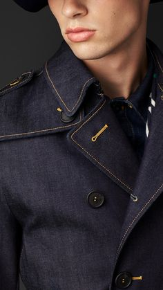coat and dress outfit Mens Fashion Wear, Workwear Fashion, Denim Fashion, Fashion Coat, Street Fashion, Fall Fashion, Coat Dress, Men Dress, Denim Vintage