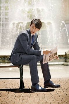 It has been about four years since Hyun Bin's last TV drama. It has also been some time since Kim Sun Ah has done a show, and with this year being the time of onscreen couple reunions, why no… Hyun Bin, Kim Sun Ah, 3代目j Soul Brothers, Netflix, My Crush, Lee Min Ho, My Man, Gentleman Style, Korean Actors
