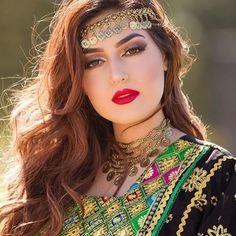 Beautiful Muslim Women, Beautiful Girl Image, Beautiful Hijab, Traditional Fashion, Traditional Dresses, Beauty Full Girl, Beauty Women, Afghani Clothes, Afghan Girl