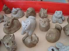 pinch pot animals- from once upon an artroom blog-