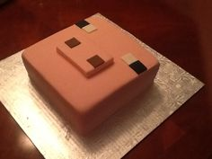 Minecraft pig cake.                                         Between the layers treats by Mandy. betweenthelayerstreat@gmail.com