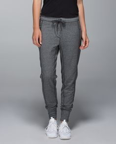 Sometimes getting out of bed to get to the studio is easier if you're warm. We designed these ridiculously cozy sweatpants with fitted cuffs   to layer easily and lock out early morning chill for those days that require a little extra. Warning: this time your boyfriend might actually steal these.