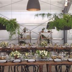 Greenery is my fav ! Beautiful modern and rustic ambiance ! Created by @brownpaperdesign perfect for a carefree couple !! Totally love the hanging plants ! #perfect #design #decor #love #EPIC #planning #weddingstyle #weddingplanning #instabride #instaweddings #forksnbrides #casamentos #bodas #style #weddingday  #weddinginspiration #weddinginspo #summer