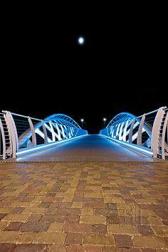 Un ponte per la luna