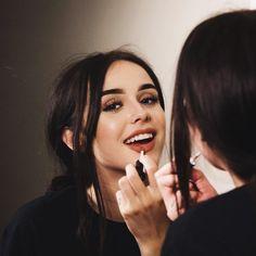 Beautiful Acacia Brinley Photos Style You Need To Know Makeup Inspo, Makeup Inspiration, Makeup Tips, Beauty Makeup, Eye Makeup, Hair Makeup, Hair Beauty, Makeup Style, Makeup Lipstick