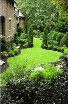 Dicas de jardinagem para um pequeno jardim no estilo italiano - Garten - Landscape Plans, Garden Landscape Design, Small Garden Design, Landscape Architecture, Backyard Garden Landscape, Desert Landscape, Vertical Gardens, Small Gardens, Outdoor Gardens