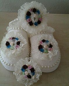 Lohusa Terliği Baby Staff, Primitive Doll Patterns, Decorative Soaps, Shaby Chic, Soutache Jewelry, Soap Recipes, Lace Flowers, Easter Crafts, Projects To Try