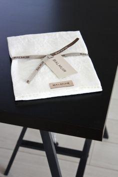 homevialaura | Balmuir | white linen kitchen towel | black table