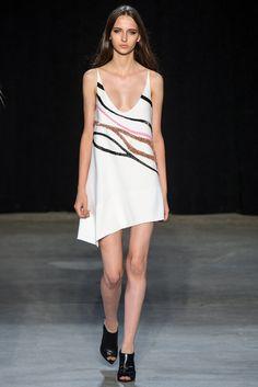 Narciso Rodriguez Spring 2015 Ready-to-Wear Fashion Show - Waleska Gorczevski
