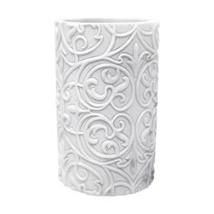 The Brookline Tumbler is a must-have bathroom piece that was crafted in resin material. The piece is uniquely crafted in white and gray faux marble. To complete the look with a touch of elegance, there is a stunning embossed pattern. The Brookline Tumbler is made to correspond with the remainder of the Brookline Collection or to stand alone on its own.