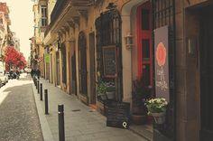 Cafè Camelia. Verdi 126. #Barcelona #Gràcia Scene, Street, Places, Barcelona Spain, Islands, Serif, Restaurant, Barcelona, Pathways