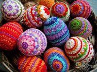 Tina& handicraft : 60 designs ornamental eggs for easter Crochet Amigurumi, Crochet Yarn, Crochet Toys, Egg Crafts, Yarn Crafts, Easter Crafts, Loom Patterns, Crochet Patterns, Yarn Thread
