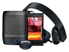 Now, Amazon has recently joined Microsoft retail stores in offering the Windows Phone device So, now you'll get a bundle of Nokia Lumia 800 from Amazon for $900