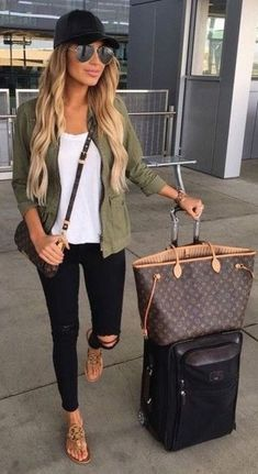 Casual But Cute Spring Outfits Ideas 39