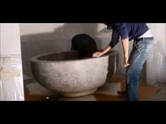 Making of a tadelakt bathtub - YouTube