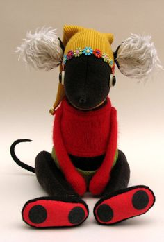 Woollen mouse dressed in yellow hat with by skippityhopcreatures