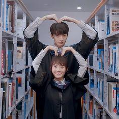致我們暖暖的小時光・Put your head on my shoulder Korean Couple, Best Couple, Love 020, Kdrama, Chines Drama, Web Drama, A Love So Beautiful, Chinese Movies, Japanese Drama