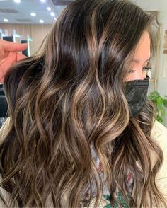 Balayage On Dark Hair, Partial Balayage, Dark Hair With Highlights, Balayage Brunette, Brunette Hair, Hairbrush, Hair Shades, Looks Cool, Hair Looks