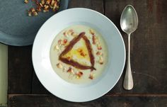 aprende cómo hacer Sopa de pan, mantequilla y anchoas en este post http://exquisitaitalia.com/sopa-de-pan-mantequilla-y-anchoas/ #recetas #recetasitalianas