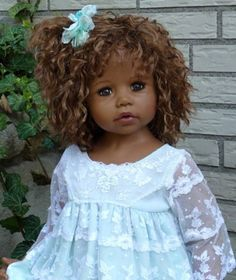 Toy dolls holds, everything from classic wood-based residences to effectively Barbie Dreamhouses. Toddler Dolls, Child Doll, Reborn Baby Dolls, Pretty Dolls, Cute Dolls, Beautiful Dolls, Blythe Dolls, Barbie Dolls, Black Baby Dolls