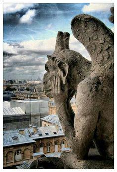 """Gargoulle """"Le penseur"""" - Notre Dame - Paris"""