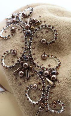 Tambour Beading, Tambour Embroidery, Bead Embroidery Patterns, Hand Embroidery Tutorial, Embroidery On Clothes, Couture Embroidery, Bead Embroidery Jewelry, Embroidery Fashion, Hand Embroidery Designs