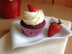 Red Cupcakes, Brownie Cupcakes, Cheesecake Brownies, Red Velvet Cupcakes, Red Velvet Recept, Red Velvet Muffins, Food And Drink, Baking, Recipes