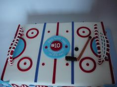 Hockey Rink Not my first hockey rink, a popular cake! Always different because I personnalize the middle part each time. Rink Hockey, Hockey Party, All Covers, Middle Parts, 40 Years Old, Chocolate Ganache, Fondant, Party Ideas, Kid