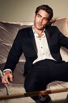 Black slim-fit jacket with faux leather lapels, chest pocket, and inner pockets. Jon Kortajarena, Beautiful Men Faces, Gorgeous Men, H M Man, Elegant Man, Men Photography, How To Pose, Bollywood Actors, Man Photo