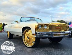 ♡ something about white cars and gold rims just looks right to me ♡
