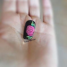 One move rose nail art