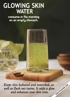Detox Water For Clear Skin, Clear Skin Tips, Detox Drinks, Healthy Drinks, Healthy Food, Glowing Skin Diet, Natural Detox Cleanse, Glow Water, Powder Recipe