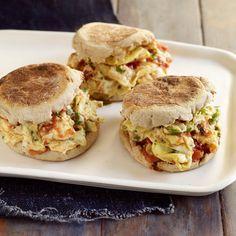Sandwiches aux œufs brouillés mexicains | Weight Watchers Canada