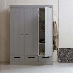7 Natural Tips AND Tricks: Contemporary Design Furniture contemporary farmhouse furniture.Contemporary Style Kitchen contemporary hotel home. Wardrobe Furniture, Bedroom Wardrobe, Grey Furniture, Wardrobe Ideas, Armoire Wardrobe, Sliding Wardrobe, Contemporary Stairs, Contemporary Building, Contemporary Interior