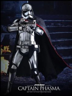 Captain Phasma Sixth Scale Figure by Hot Toys
