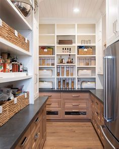Kitchen decor and kitchen ideas for all of your dream kitchen needs. Modern kitchen inspiration at its finest. Kitchen Pantry Design, Prep Kitchen, Home Decor Kitchen, Interior Design Kitchen, Home Kitchens, Kitchen Ideas, Interior Livingroom, Kitchen Butlers Pantry, Kitchen Themes