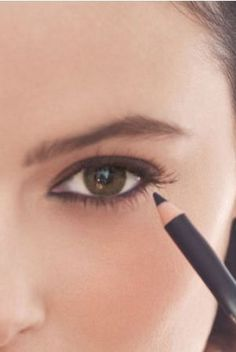 {TIPS} Three Makeup Truths Every Woman Should Know