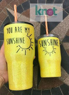 I need these for me and my baby. Diy Tumblers, Custom Tumblers, Glitter Tumblers, Cute Gifts, Diy Gifts, Tumblr Cup, Glitter Cups, Glitter Eye, Glitter Girl