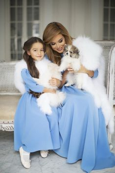Family Look F/W — Yulia Prokhorova. Mom And Baby Outfits, Mommy And Me Dresses, Mom Dress, Kids Outfits, Girls Dresses, Mother Daughter Photos, Mother Daughter Matching Outfits, Mother Daughter Fashion, Mom Daughter