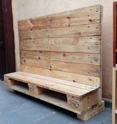 Pallet Furniture Tv Stand, Tv Furniture, Wooden Pallet Projects, Wooden Pallets, Cable Spool Tables, Wood Room Divider, Tv Rack, Wood Spool, Muebles Living