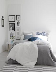Makuuhuoneen värimaailma on ihanan rauhallinen ja raikas. Klikkaa kuvaa, niin näet tarkemmat tiedot.