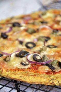 pizza na kalafiorowym spodzie Frittata, Vegetable Pizza, Hamburger, Good Food, Healthy Recipes, Healthy Food, Food And Drink, Gluten Free, Snacks