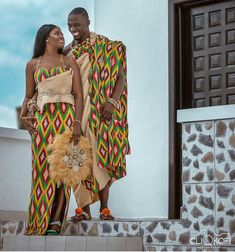 Ghanaian Kente fabric and styles is are becoming increasingly popular at African traditional wedding ceremonies bridal styles and dresses Couples African Outfits, African Attire, African Wear, African Suits, African Style, African Wedding Dress, African Print Dresses, African Dress, African Weddings