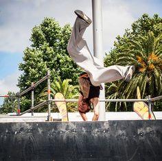 Imagen de @shobugup de @galizianurbanproject, entrenando para la World Cup Pro de Street Stunts!!! - #vigostreetstunsbodyexteme #vigostreetstunts #vss2016 #vigo #streetstunts #freerunning #freerun #parkour #gup #galizianurbanproject