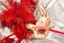 Luxury Feathered Masquerade Masks on a Stick - CIGNO FIORE GOLD