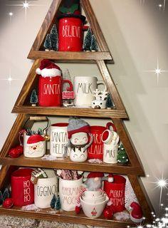 Christmas Mug Love Christmas Dishes, Christmas Coffee, Christmas Kitchen, Country Christmas, All Things Christmas, Christmas Home, Vintage Christmas, Christmas Holidays, Christmas Crafts