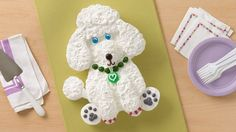 This is no standard poodle – he's a sweet treat sure to add fluffy flair to any pet-friendly party or canine-inspired celebration. Print this handy cake template to make cutting out the pieces a snap.